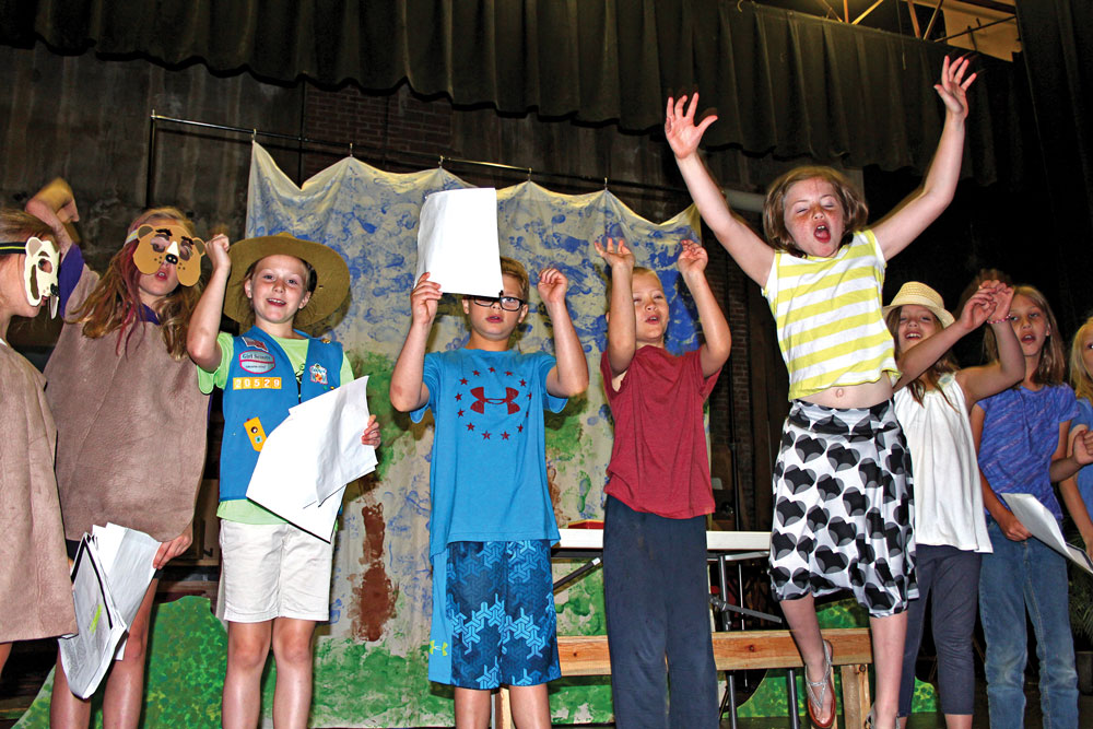 Teddy bears, cooks take to the stage