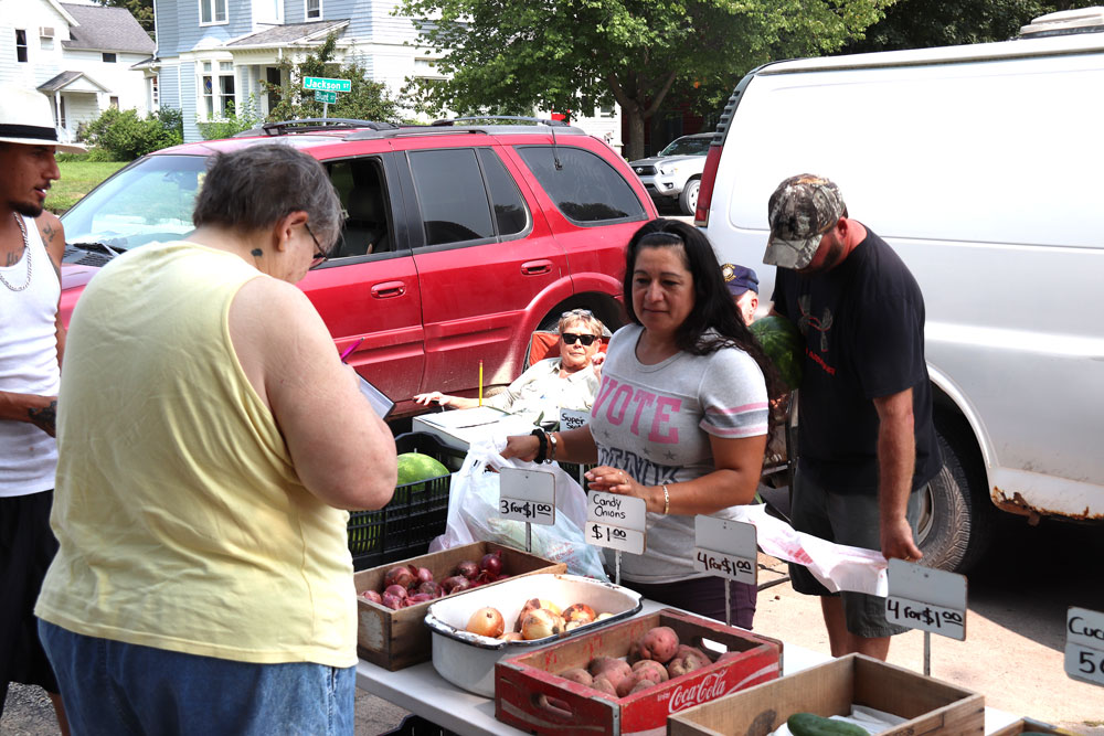 Local farmers market features passion for growing