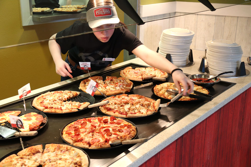 Pizza Ranch gets ready for grand opening
