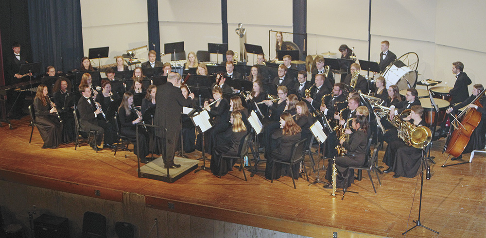 Wartburg Wind Ensemble performs in Charles City