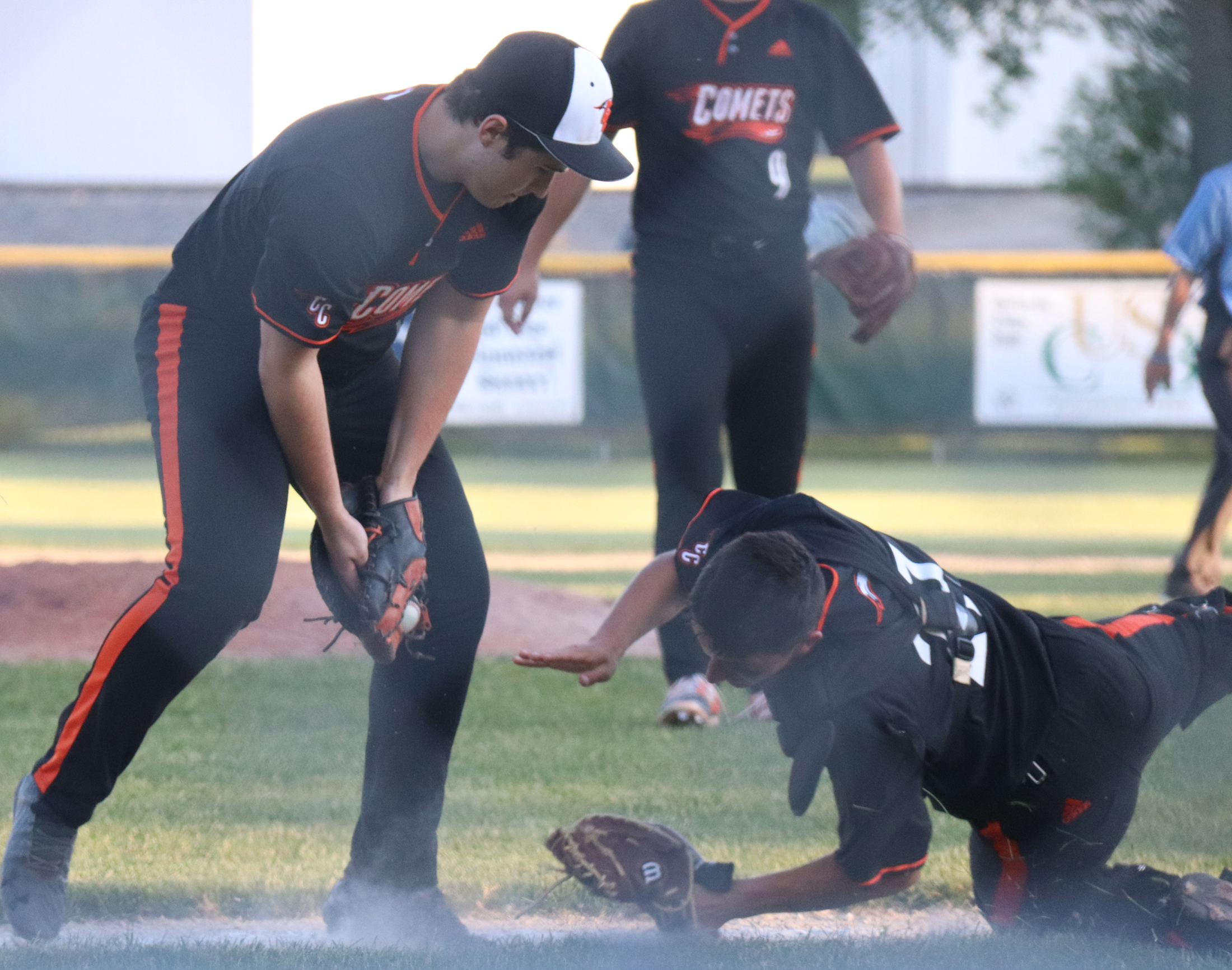 Chickasaws jump out early to defeat Comets, 9-1