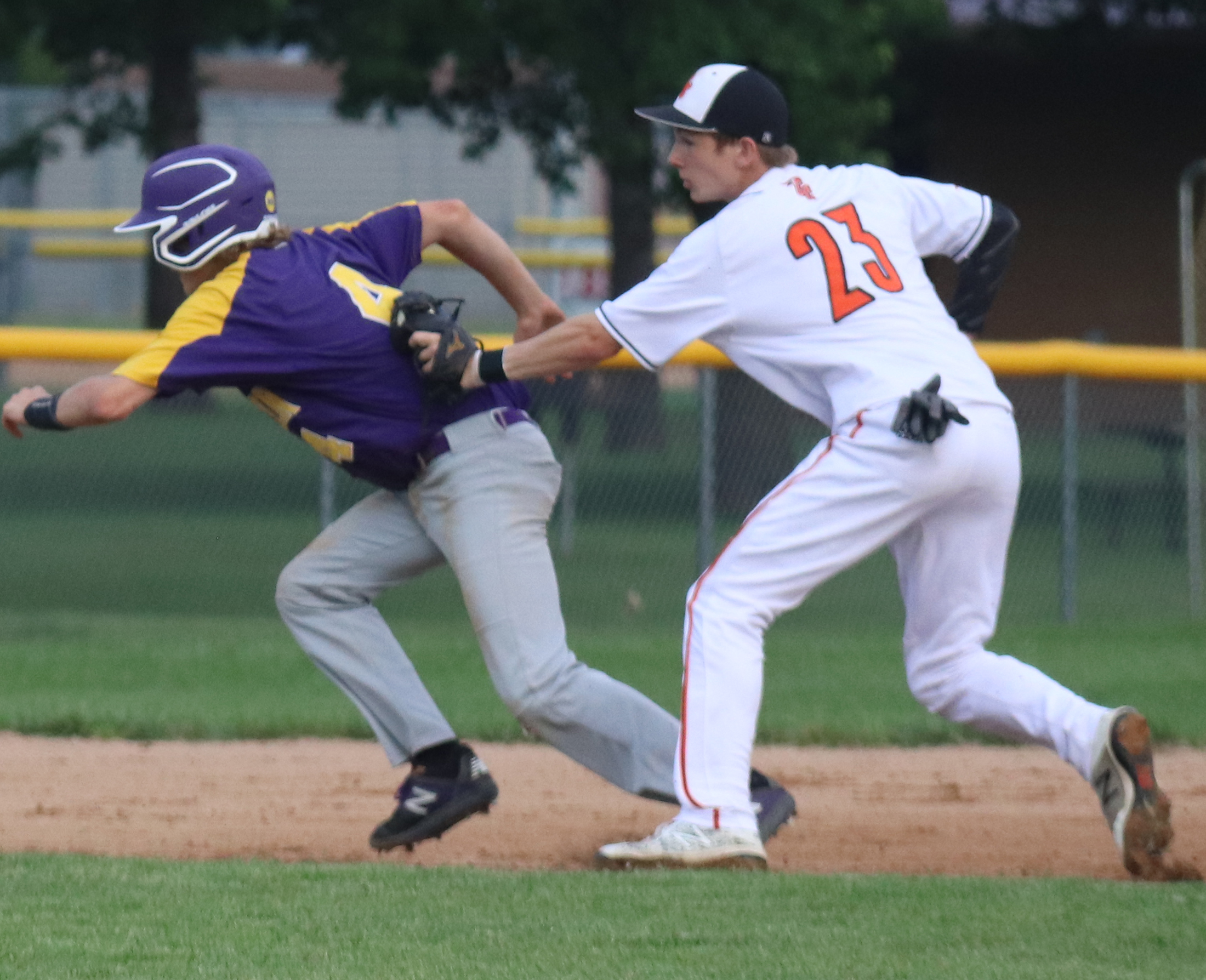 Charles City rallies back against Oelwein ace, but Huskies  hang on to win 7-5