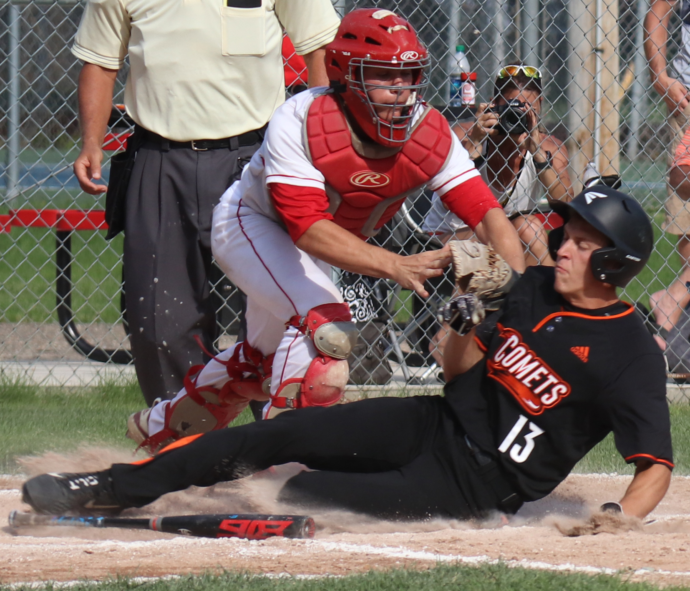 Comets one out short of sweeping DH from Chickasaws