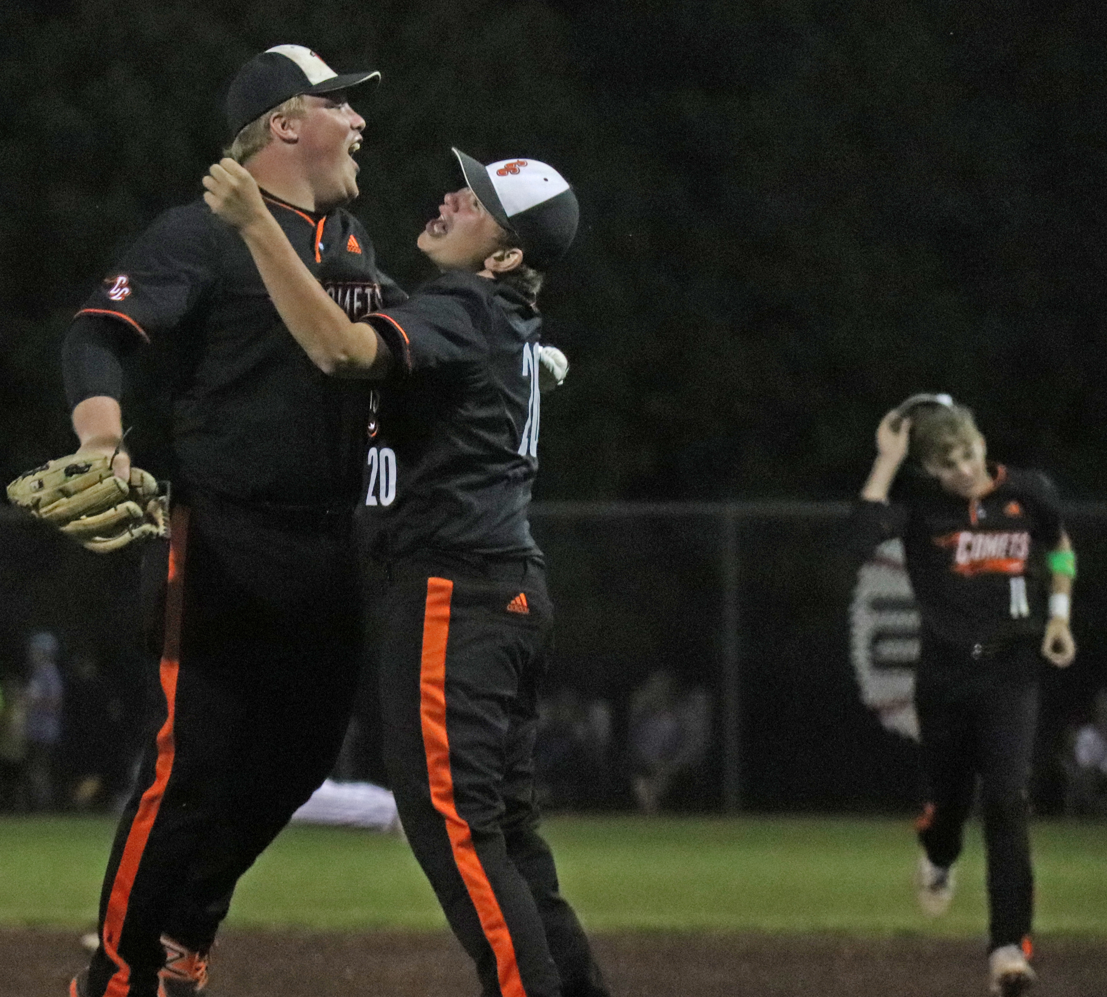 Comets defeat Go-Hawks, 7-3, for district title