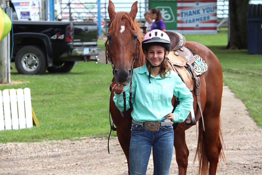 Rain showers don't deter day two of Floyd County Fair