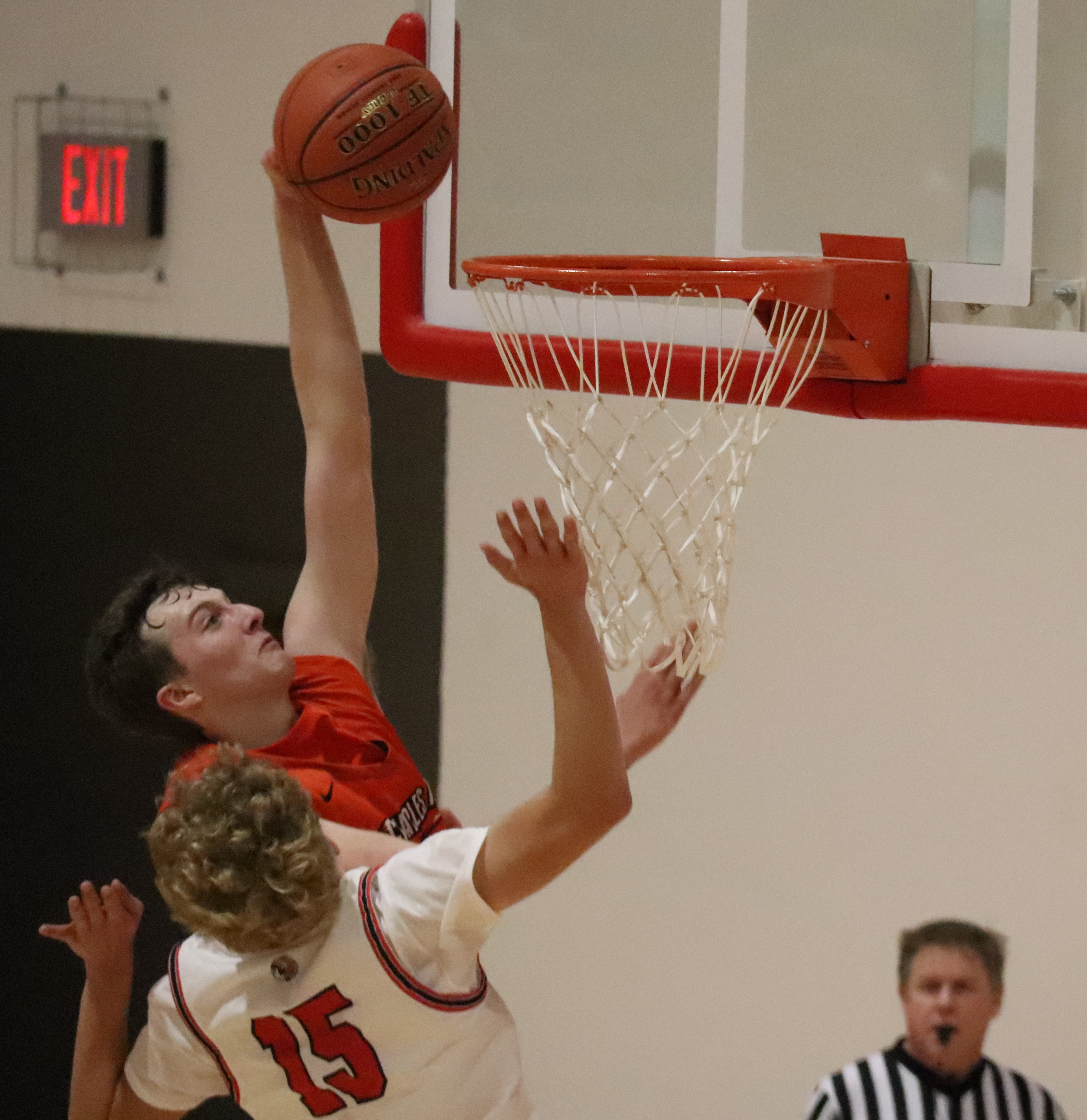 Comet boys win 1st game of season; Comet girls can't catch fast-starting Chickasaws