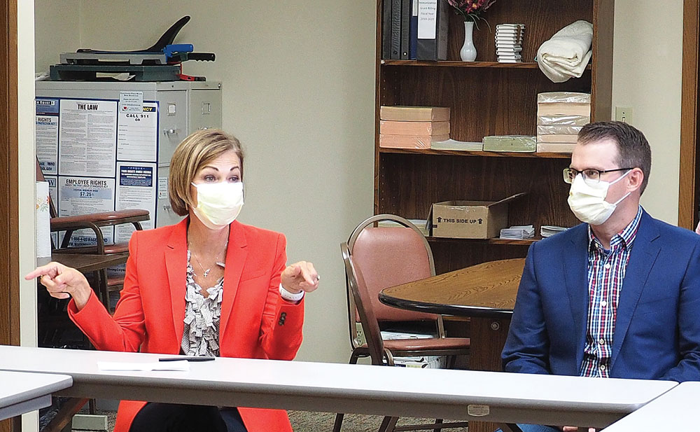 Gov. Reynolds thanks Floyd County health workers for role in fighting pandemic