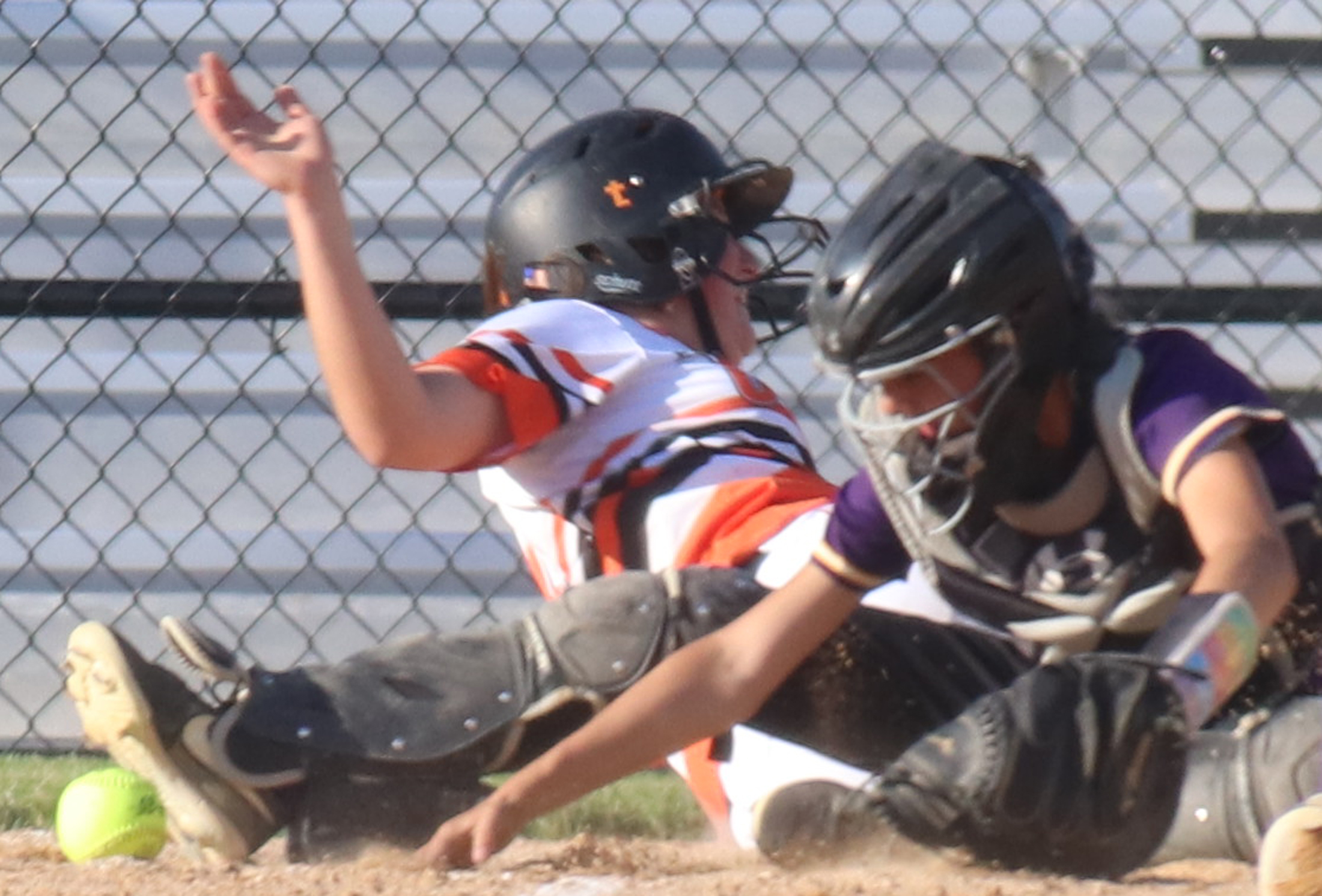 Comets go 3-1 at NFV Tourney, lead NEIC after win over Vikings