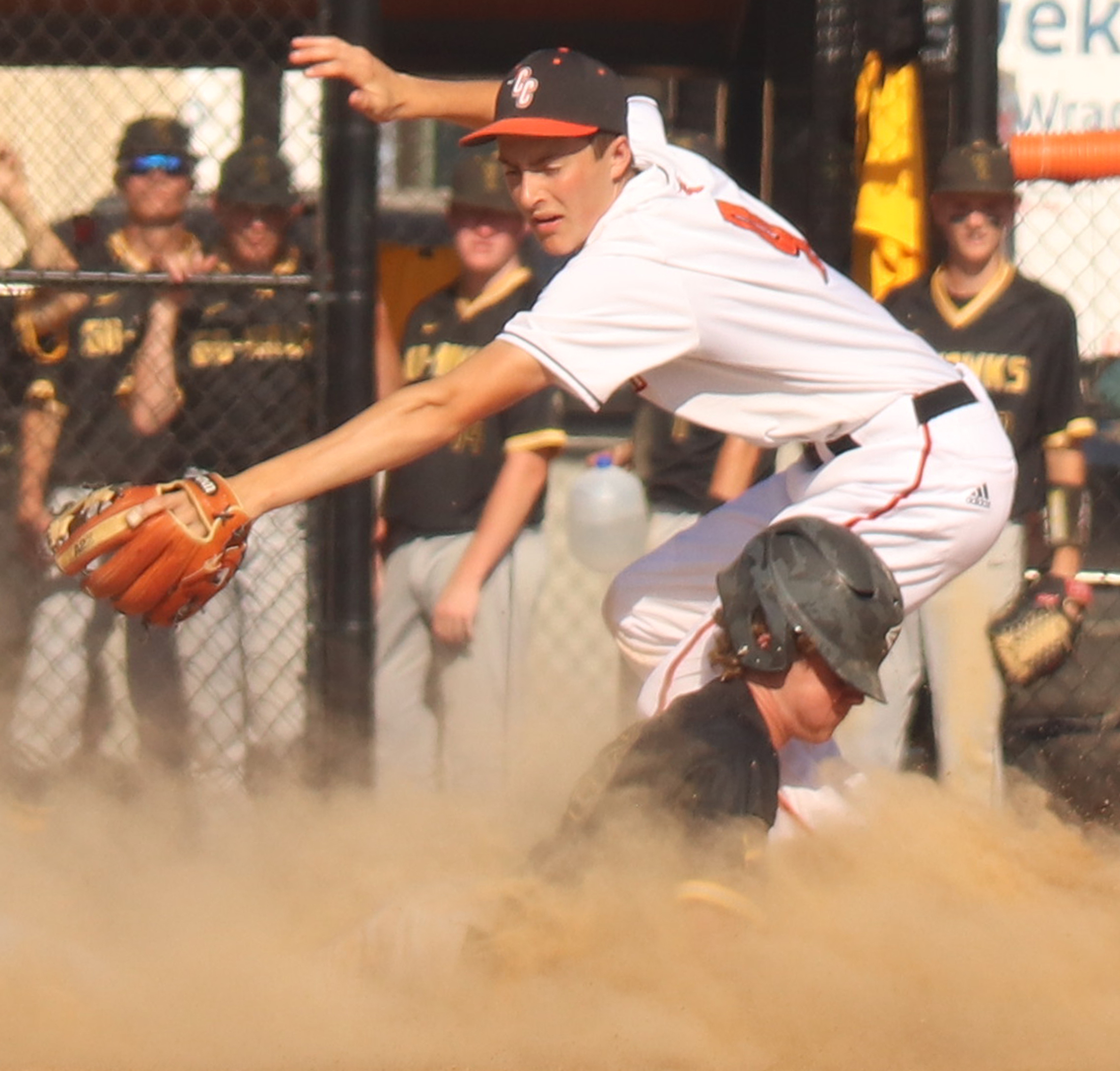 Go-Hawks stay hot with DH sweep over Comets