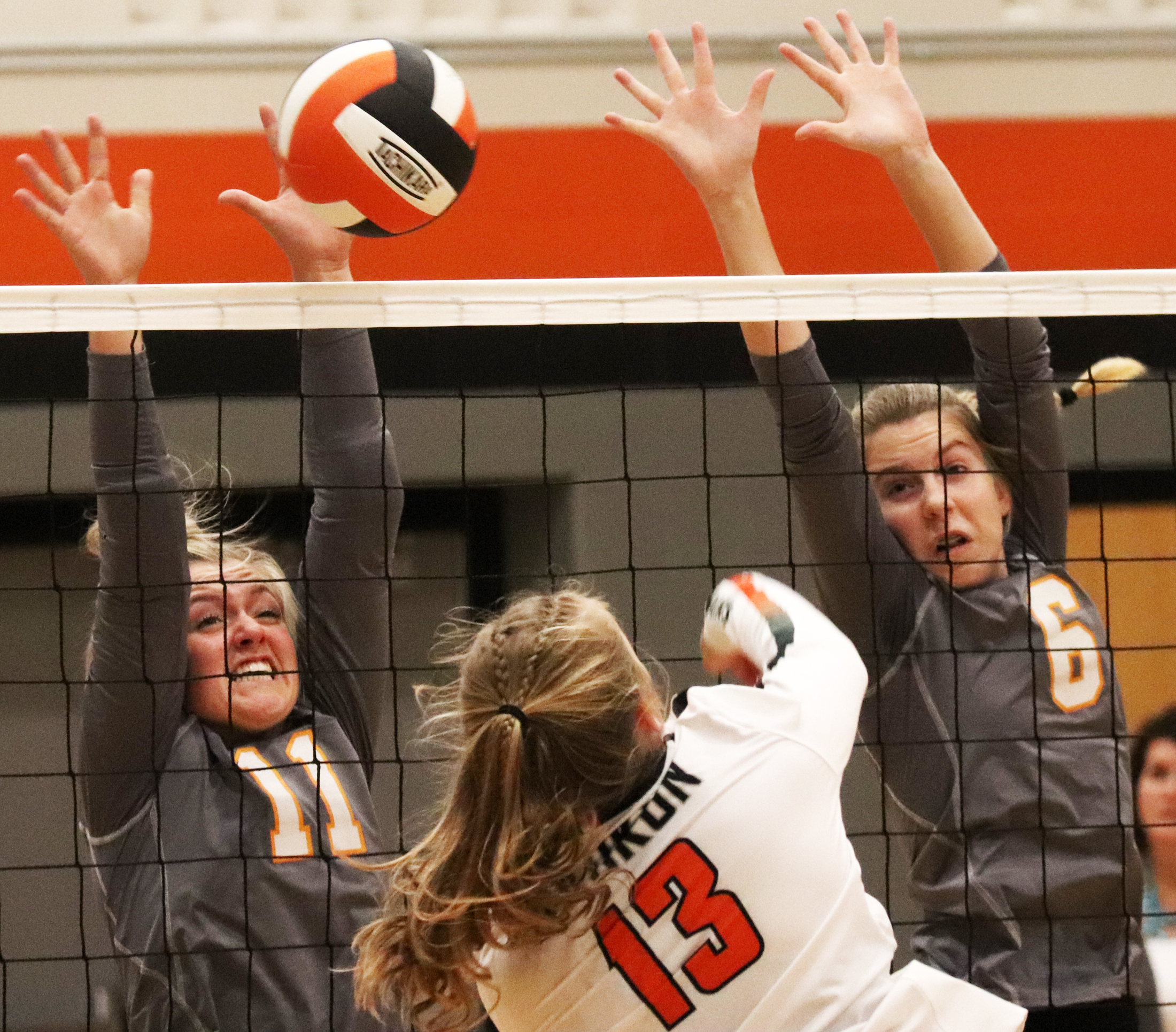 Tribe traps Comets in valley during 3-1 NEIC volleyball win