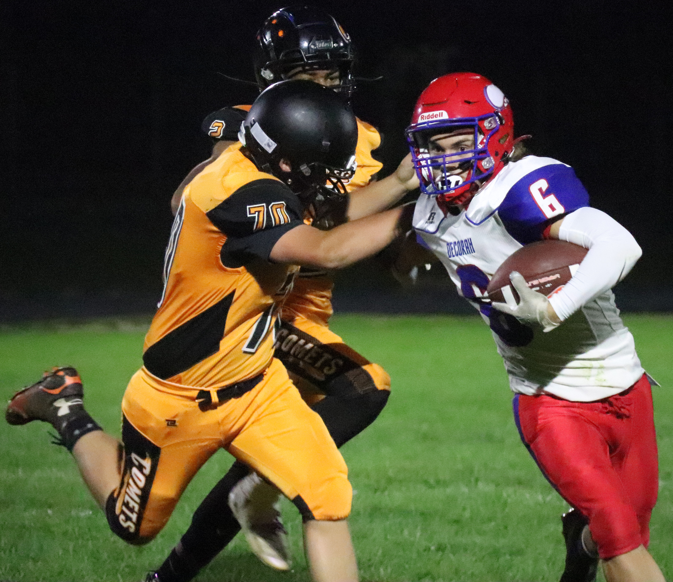 Vikings take control early in 35-6 win over Comets
